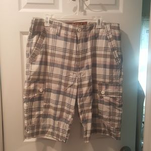 Other - Mens Plaid cargo shorts
